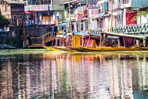 El lago Dal , Kashmir