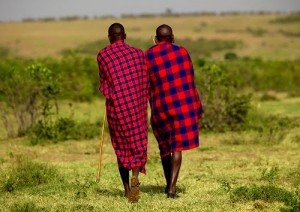 maasai_-men-in-blanket