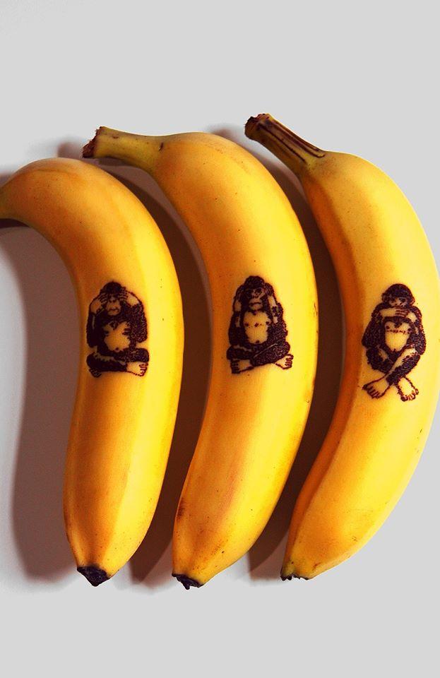 The Three Wise Monkeys  Los tres monos sabios