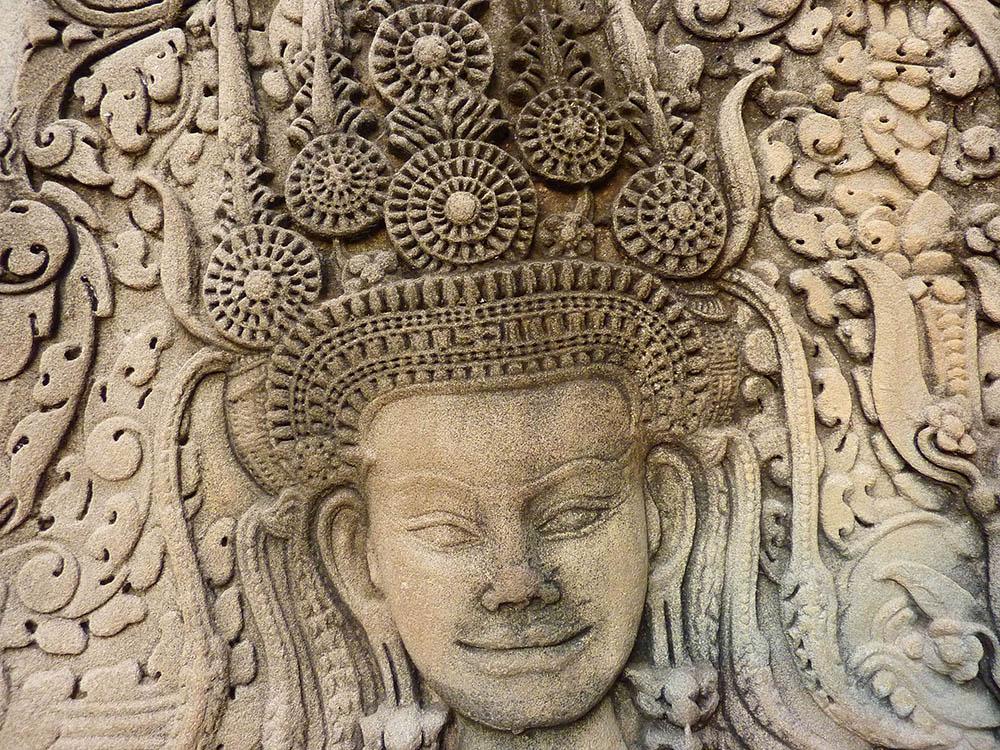05 Angkor Apsaras, photograph by Anandajoti Bhikkhu